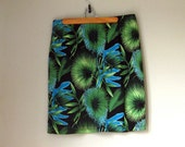 XL Floral Print Womens Skirt. Vintage Handmade Plus Size Skirt in Hawaiian Print.