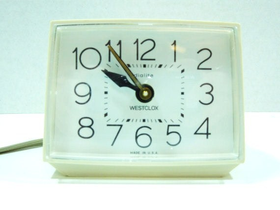 Westclox Dialite Alarm Clock-Vintage Circa 1980's-Old School Style Simple and Oh So Retro