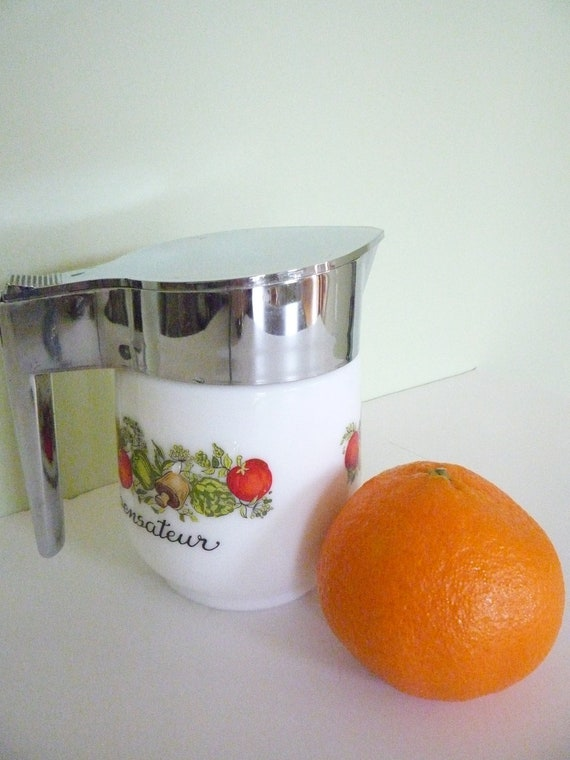 Vintage syrup dispenser by Gemco Ware, Christmas morning breakfast
