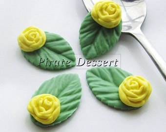 YELLOW  Garden Rose sugar flower - Fondant Roses with leaves  - Edible cake decorations (Yellow Rose) (6 pieces)