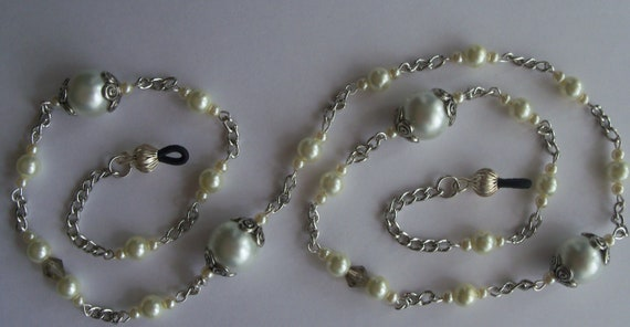 EYEGLASS HOLDER, Eyeglass Chain, Silver Plated Chain, Handmade