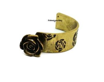 1 - ZAMAK. Middle bracelet flower . Antique Golden. Hole: 12 X 2 mm.( ZK339)
