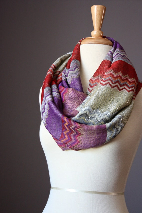 Infinity scarf 40 % silk  zigzag multicolor Missoni style in purple red