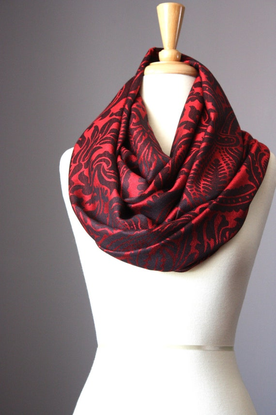 Infinity Scarf    Floral  Jacquard   soft  smooth red   black