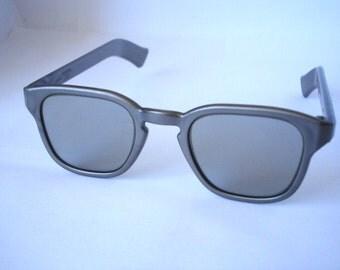 Amazing Vintage Polaroid 3D Glasses