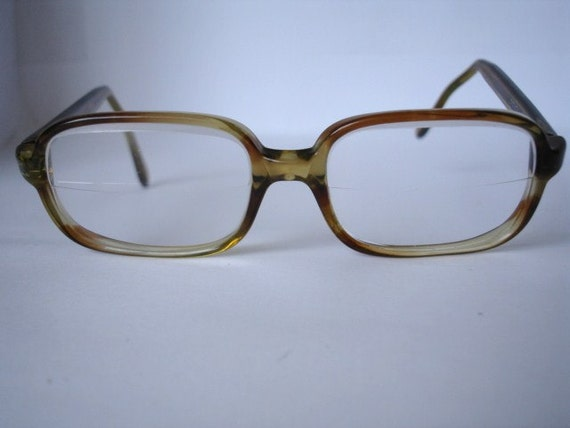 Authentic Vintage 1970's Women's Eyeglasses - See our huge collection of vintage eyewear