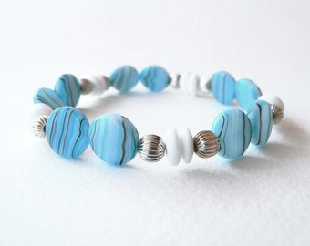 Sky blue and white bracelet handmade with sky blue and white glass beads. ooak made in Italy