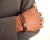 Leather and waxcord men's bracelet in dark brown with slight burgundy hue - gift for him