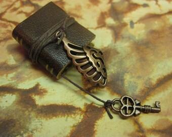 Angel Wing Spell Book/Journal - Dollhouse Miniatures (Item B28)