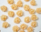 6 Pcs. 10mm  Ruffled Rose Cabochon Peach FL009-PCH