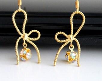 Twisted ribbon gold earrings, golden bow earrings, everydaytrendy.