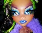 Night Fever Clawdeen Custom Monster High OOAK repaint