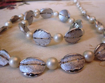 Vintage Trifari Pearl and Etched Silver Necklace and Matching Bracelet, Adjustable Necklace, Bridesmaid Set, Wedding Jewelry, Gift for Her