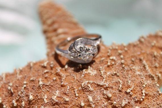 Amazing Art Deco 14K White Gold Textured .10ctw Diamond Engagement Ring - Size 6 1/2