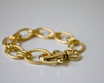 Gold chain bracelet, Chainlink bracelet, Stacking Bracelet, Stackable Bracelet, Clasp bracelet, Statement jewelry, Statement bracelet, chain