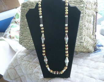 Wood and ivory necklace (N1568)