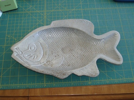 Aluminum Fish Dish -- Yard Art