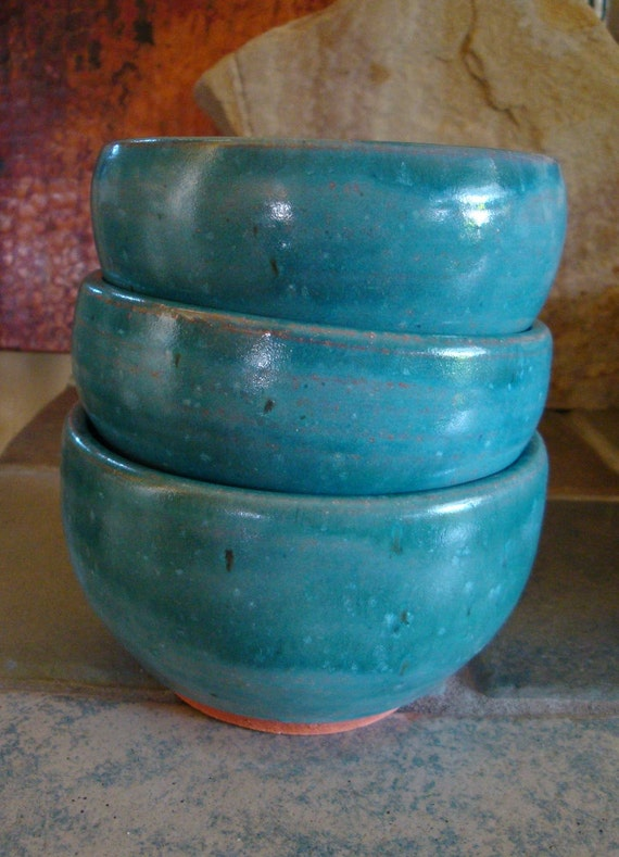 3 Terracotta Bowls in Speckled Turquoise