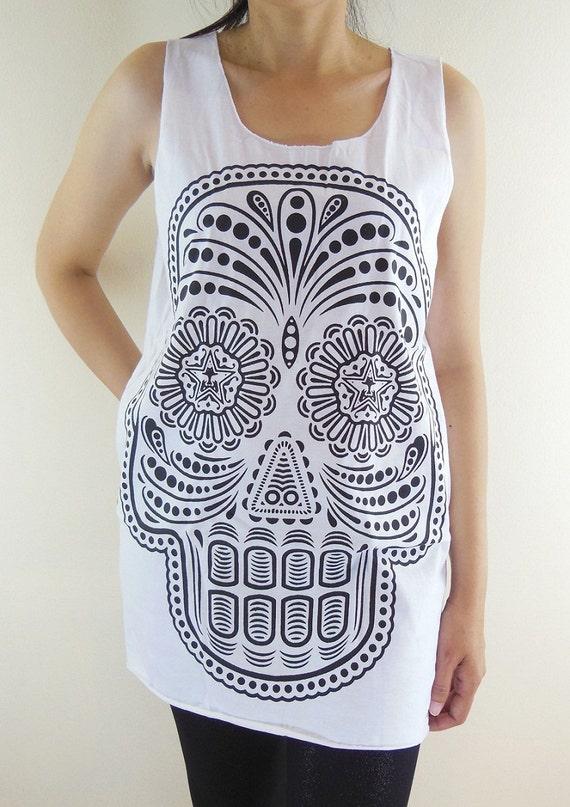 Skull Shirt -- Skull T-Shirt Skull Design Art Shirt Unisex Shirt Women Tank Top Tunic Vest Women Shirt Sleeveless Singlet White Shirt Size M