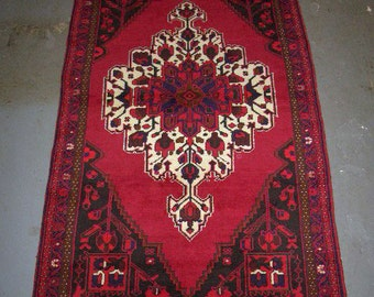 1990s Hand-Knotted Hamadan Persian Rug (2488)