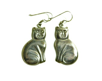 Gunmetal Vintage Kitty Earrings