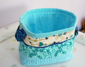 Quilted organizer. Turquoise and off-white organizer. Free shipping.