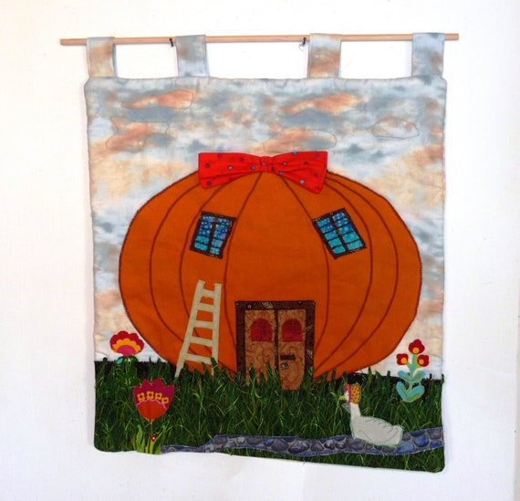 Free shipping.  Pumpkin applique. Pumpkin wall hanging quilt.  A picture for a child.  One of a kind.