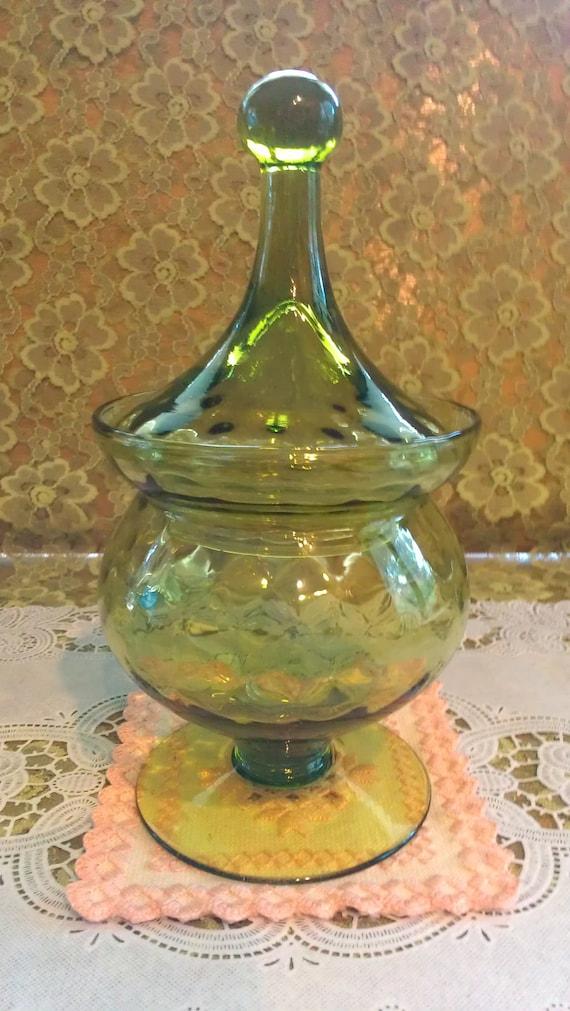 Unique vtg peridot/avocado pedestal apothecary jar