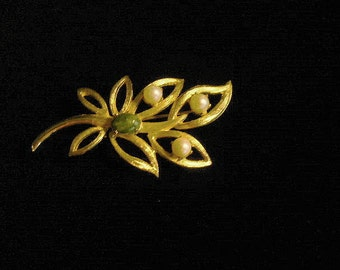 Signed Brooks Brushed Goldtone Leaves on a Branch with Pearls and a Green Bead Brooch