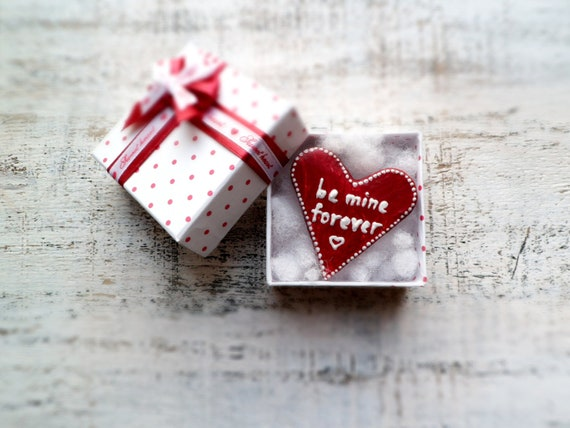 Red heart magnet love message