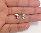 Tiny Skull, Dainty Skull Stud, Tiny Vintage Silver Skull with a Clear Rhinestone in the Eye