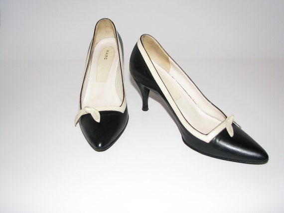 Reserved for Evelina. MARC Jacobs Pumps Black and Cream Leather.  Ladies 5 M. 1990's does 1950's.  Made in Italy.