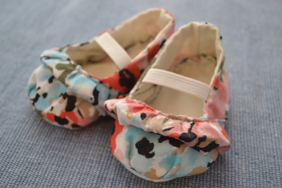 Floral Ruffle Mary Jane NB- 24 months
