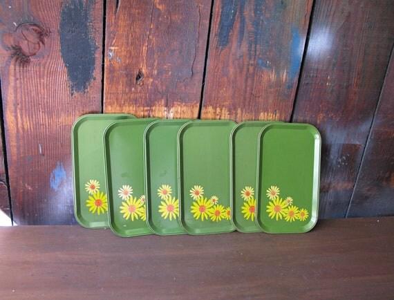 Vintage Retro Avocado Green Serving Trays with Yellow Daisies - Set of 6