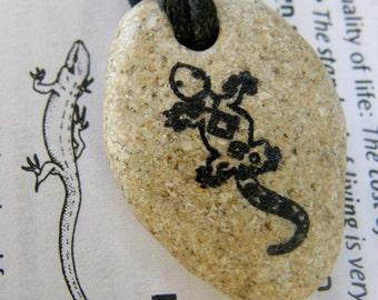 Lizard necklace handmade stone cameleon pendant handmade handmade jewelry stone Lizard handmade