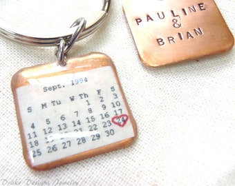 Personalized Calendar Keychain... Custom Date... Wedding, Birthday, First Anniversary paper gifts
