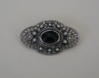 Vintage Steampunk Oval Pin