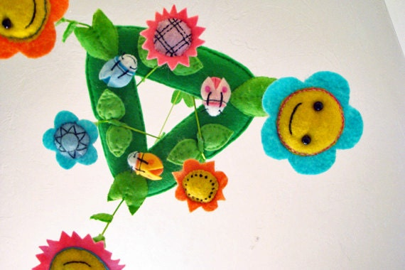 Baby Mobile Crib - Baby Mobile of Flowers - Baby Facing