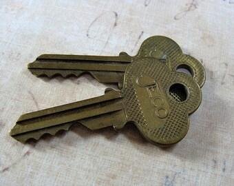 2 Genuine Brass Vintage Matching JECO keys