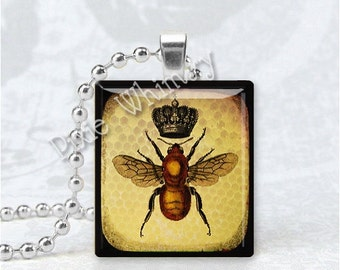 QUEEN BEE Pendant, Bee Pendant, Beekeeper, Insect, Apiary, Beekeeper Jewelry, Scrabble Tile Art Pendant, Bee Jewelry