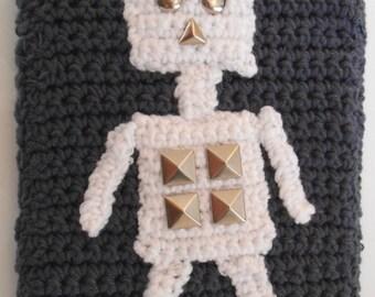 Handmade crochet robot Kindle / eReader / 7 inch tablet cover - sci-fi