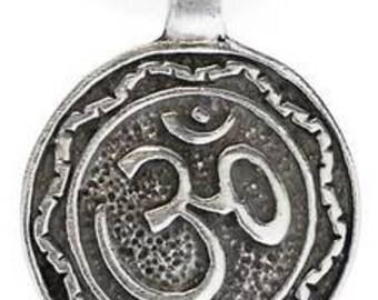 Pewter Circle Ohm Om Buddha Yoga Namaste Meditation Pendant (29A)
