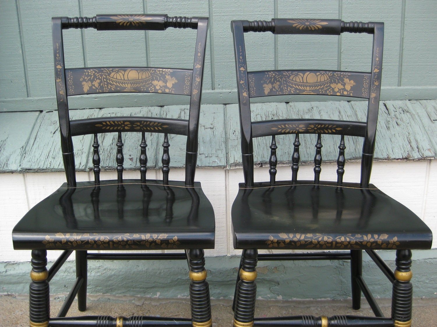 Nichols And Stone Hitchcock Chairs