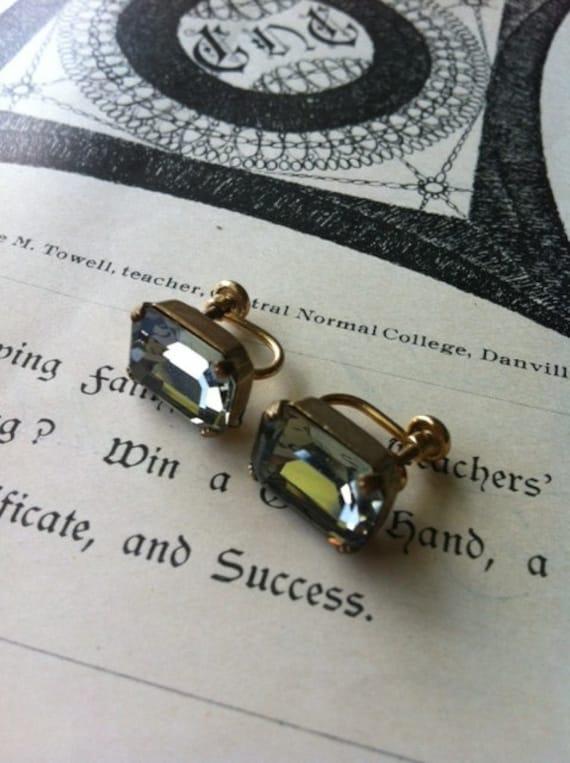 Vintage Gold Filled Van Dell Grey Rhinestone Screw back Earrings Stunning