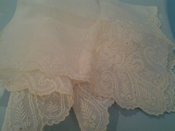Vintage Linen handerchief beige beautiful embroidery embroidered Hankie