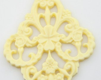 6 pcs of german filigree charm 0289-45x55mm-26-ivory