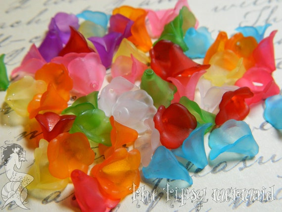 Multi-Colored Lucite Fluted Flowers, Qty. 25