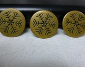 Vintage Snowflake buttons
