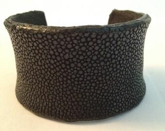 Black Sanded Stingray cuff