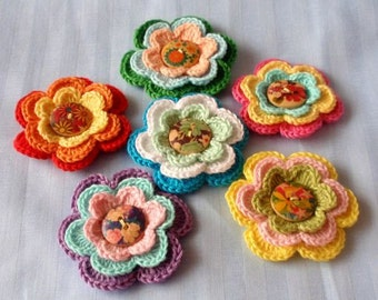 6 Crochet Flowers With Wood Button YH-086-01